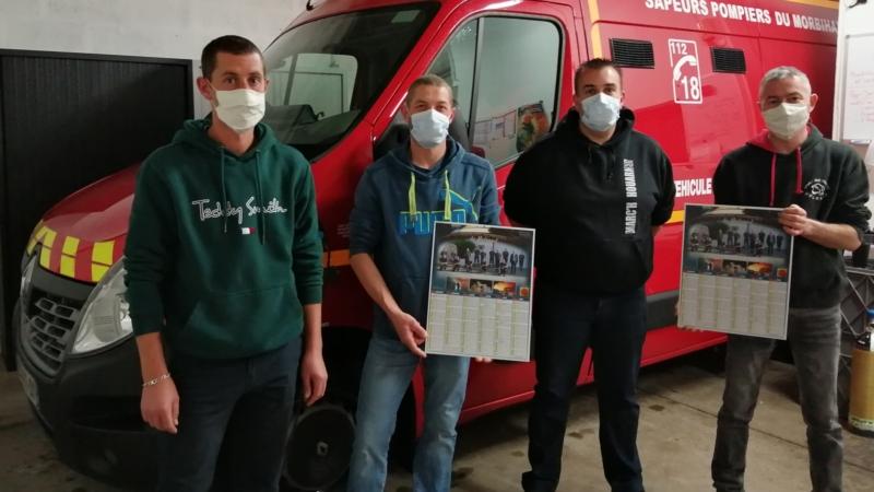 Distribution des calendriers des Sapeurs-Pompiers